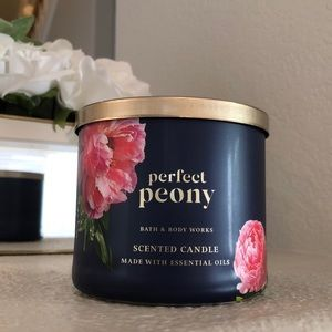 New Perfect Peony Bath & body works 3 wick candle
